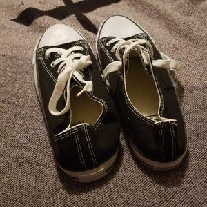 blue i Shoes - *Free* Shoes